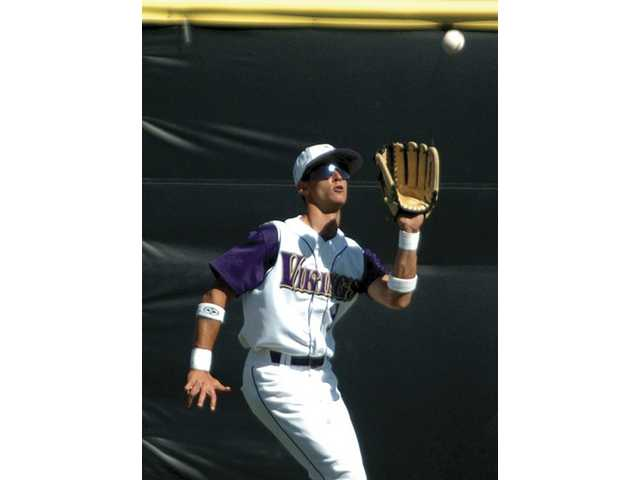 Valencia Vikings outfielder Dylan Jones will be playing for the University of Oregon.