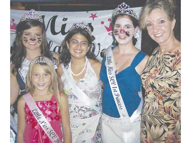 Queens and princesses from the Miss SCV Scholarship Program offered face painting at the last Jazz and Blues concert of the season. Left to right: Little Miss Photogenic Treslei Rosale, Miss Teen Stevenson Ranch Amanda Eyrich, Little Miss SCV Second Princess Ashley Orandi, Little Miss SCV First Princess Jenna Dietrich and Miss SCV Scholarship Program Director Mardi Rivetti.