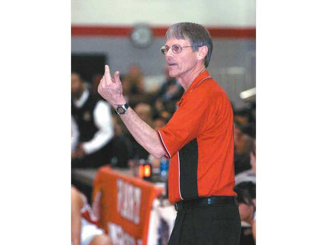 Former Hart head girls basketball coach Dave Munroe will be inducted into the Southern California Interscholastic Basketball Coaches Association Hall of Fame March 1.