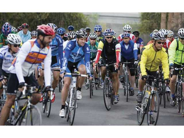 Cyclists start 508 mile race