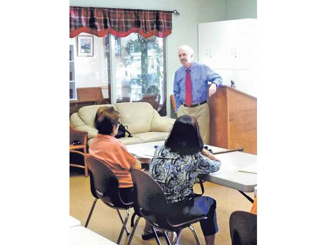 Orthopedic surgeon Dr. John Kaufman recently delivered a Health & Wellness talk focused on osteoporosis and avoiding bone fractures at the SCV Senior Center. The Center offers a slate of programs to help seniors live healthier lives.