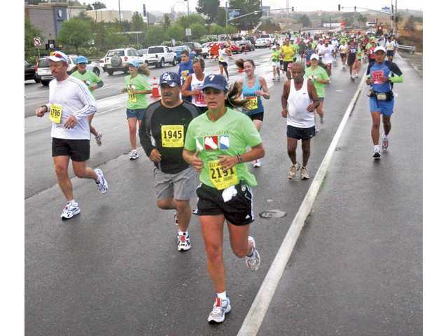 Last year's Santa Clarita Marathon was run in cool, sometimes moist, conditions. At this writing, the weather forecast predicted morning clouds on Nov. 8, with a high of 73º F.