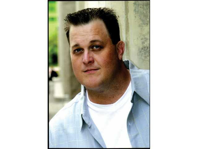 Comedian Billy Gardell will perform Nov. 30 at a fundraiser for the Santa Clarita Valley Emergency Winter Shelter.