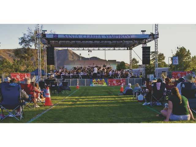 The first Concerts in the Park of the summer series featured the Santa Clarita Symphony July 7, 2008.