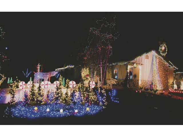 A Santa Clarita home is all decked out for the 2008 Holiday Lights Tour.