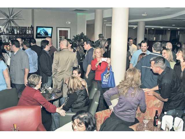 Santa Clarita Valley Facebook friends including staffers from The Signal jammed the Courtyard Marriot lounge and lobby on Thursday.