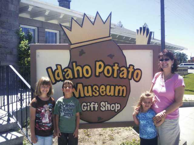Sharon Hason-Tilles and Shayna, Abigail and Ari Tilles at the Idaho Potato Museum in Blackfoot, Idaho.