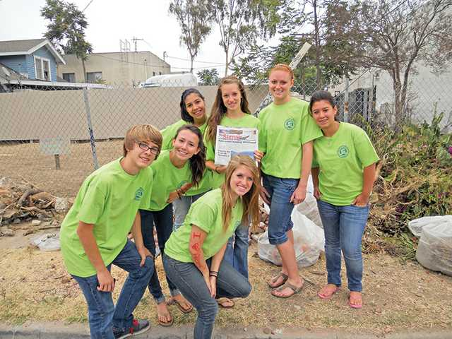 Youth from Valencia United Methodist Church lived in South Central Los Angeles for a week in early August and worked on community service.