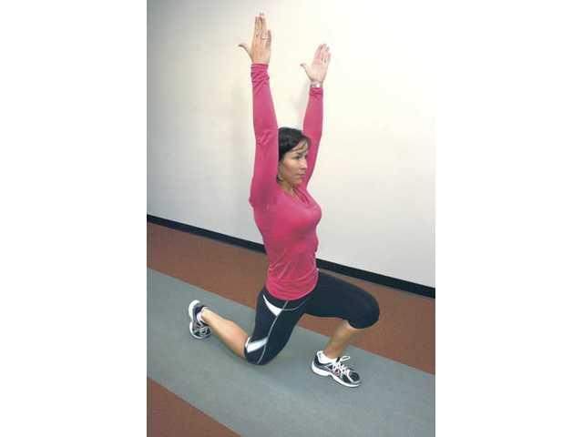 Reverse-lunge hip flex.