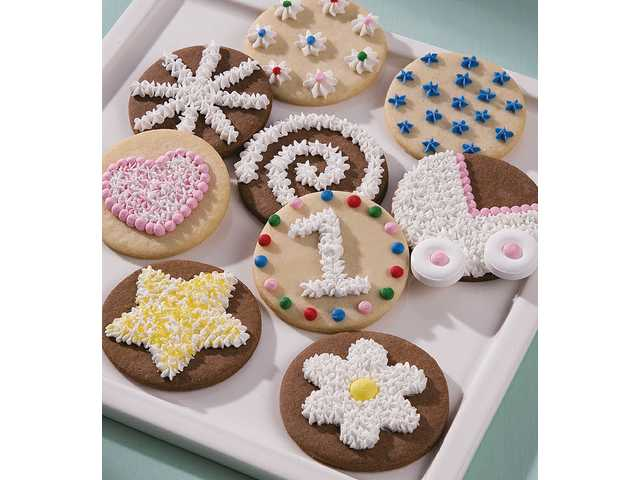 Creative cookies: Decorating in a variety of ways is simple with the star tip.