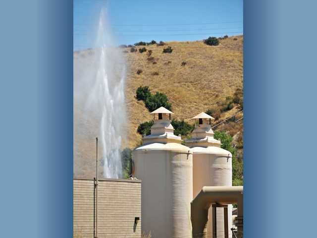 A broken joint on a water line at the Saugus Water Reclamation Plant caused a tall geyser of water that was visible from Bouquet Canyon Road on Tuesday morning.