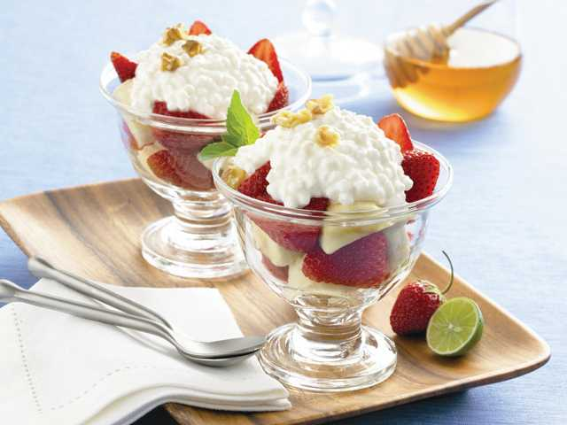 Strawberry banana parfait