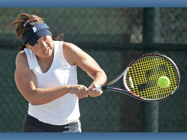 Prep tennis: Three-deep singles punch pushes GV