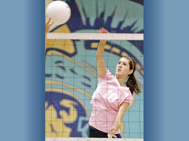 Saugus senior Jaclyn Clark will lead the Centurions as they try to unseat Valencia atop the league standings.