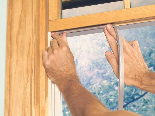 Weatherstripping windows is a fantastic way to keep heating bills low in the winter. Doing it yourself saves even more money. Easy tips are included in this article.