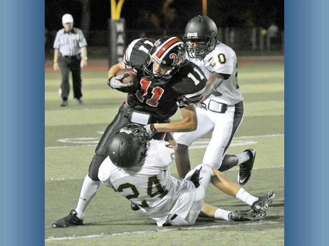 Foothill football: Hart has to fight off GV