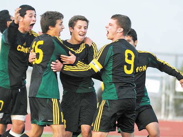 Foothill League boys soccer: Last-minute leaders