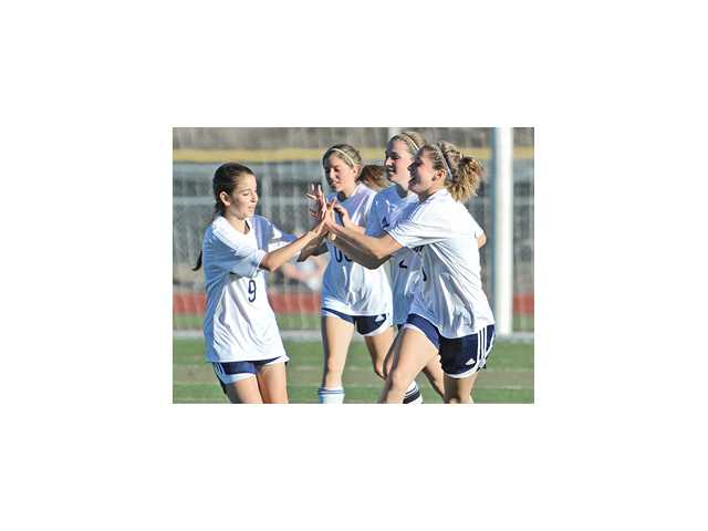 Foothill League girls soccer: Cents' championship march