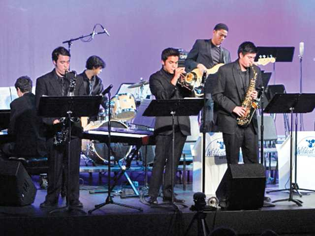 West Ranch jazz musicians perform