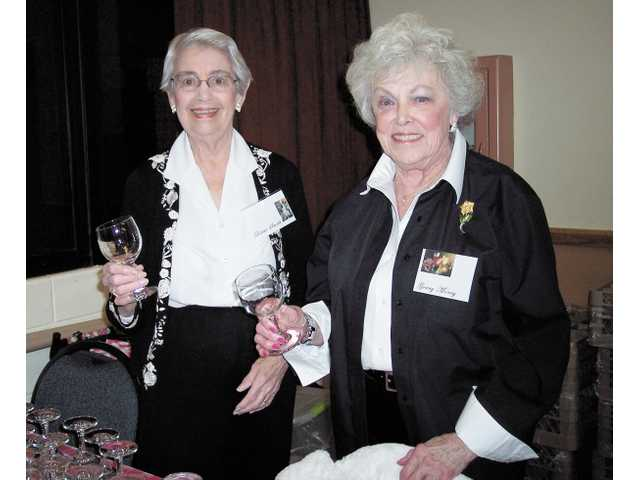 Left to right, Dottie Smith and Gerry Morey greeted guests.