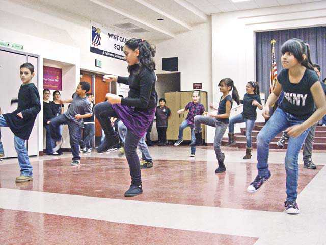 Fifth-graders give program last dance