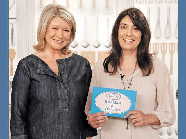 Martha Stewart and winner Maria Vasseur of Valencia.