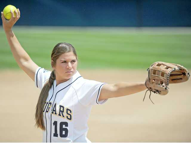 College of the Canyons' Kimmie Lockhart recorded a 21-1 regular season record.