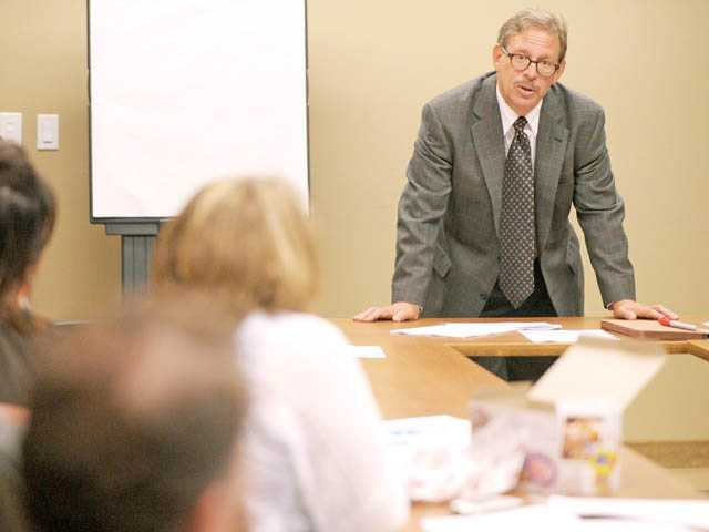 Jeffrey Hacker leads a seminar at the SCV Chamber of Commerce in Valencia on Friday.