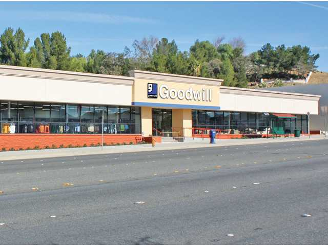 This Canyon Country retail building was part of a recent purchase by 11730 Ventura Blvd LLC.