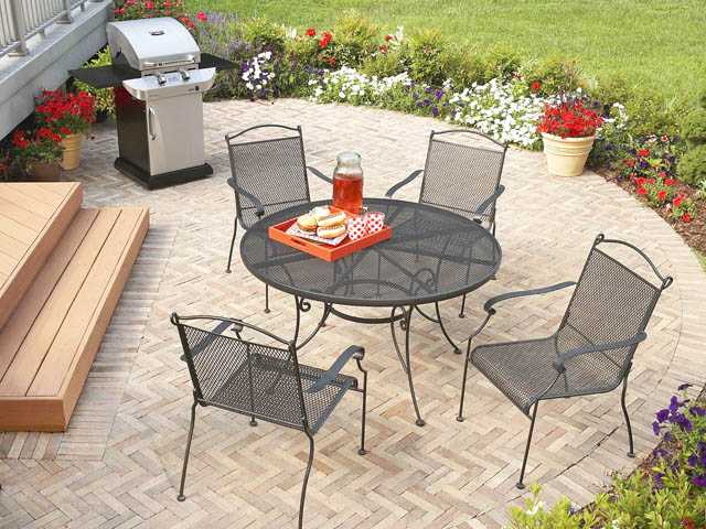 The Garden Treasures Hanover 48 Inch Steel Patio Table And Chairs Is Easy  To Clean ...