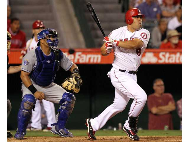 MLB: Morales' pinch hit lifts Angels over Royals 6-3