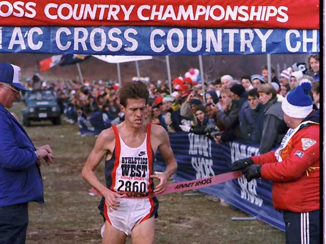 Pat Porter breaks the tape to win the United States Senior Men's Cross Country Championships, for the sixth year in a row, in New York in Nov. 28, 1987.