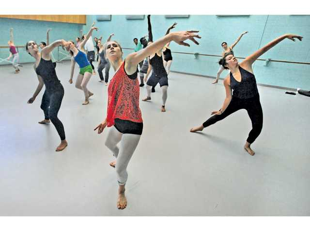 Students rehearse in modern dance class during the State Summer School for the Arts in Valencia on Thursday.