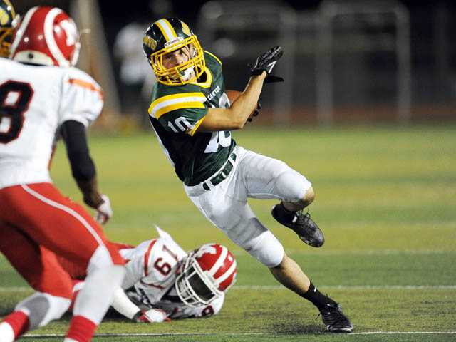 Prep football: Canyon closes the door