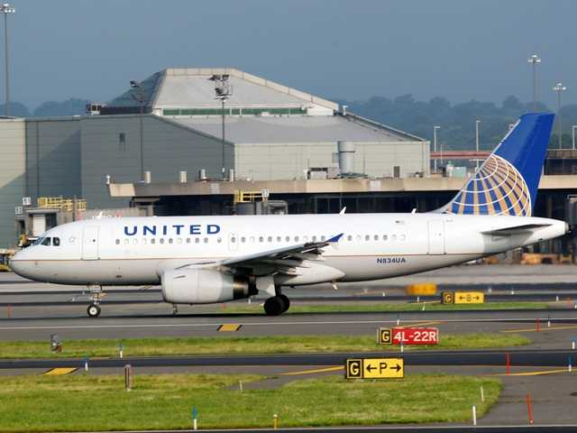 United computer problems have caused widespread delays. Featured, a United Continental passenger plane rolls on take off at Newark Liberty International airport Aug. 11