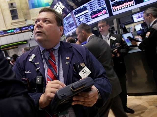 US stocks rise, and investors wait for the Fed