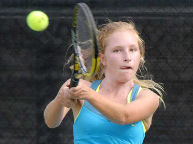 Foothill tennis roundup: 'Cats stay in hunt