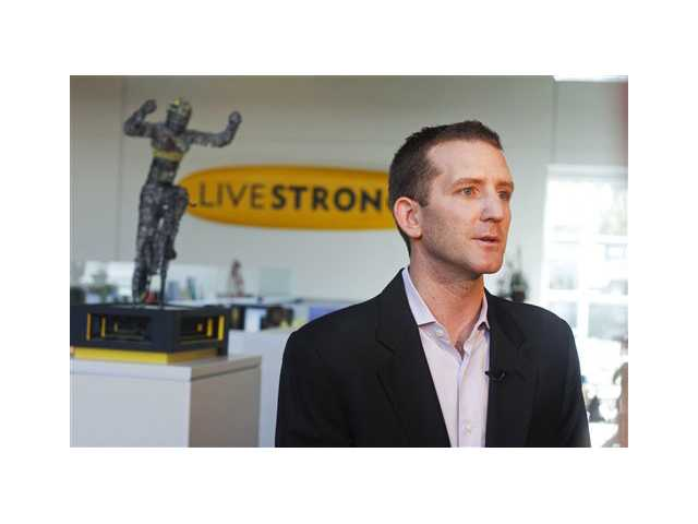 Armstrong says last few weeks 'difficult'