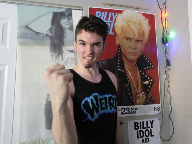 Seattle man gets Billy Idol to play his birthday