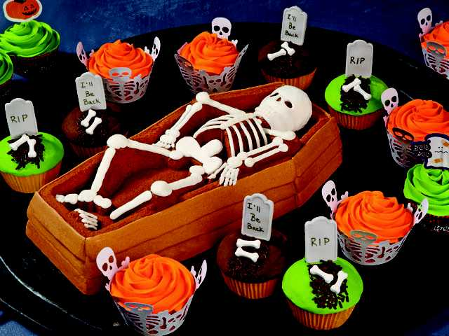 Back From the Grave Cake and Spooky Pop Cupcakes