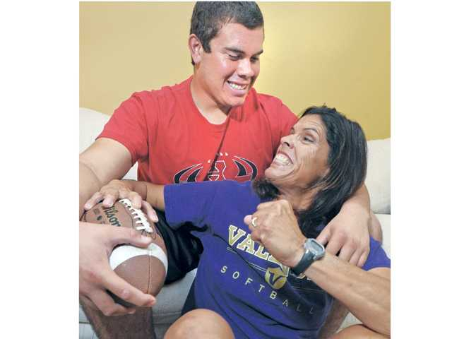 Prep football: The Lee family, Picking Sides