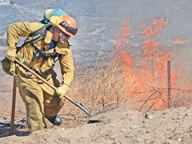A brush fire along Soledad Canyon Rd. was held to less than 1 acre.  The fire started around noon and firefighters from LA County and USFS were able to quickly knockdown the blaze.  The fire was adjacent to yesterday's 5 acre fire.     Rick McClure, for the Signal