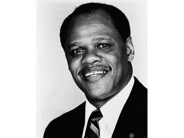 Campbell, 1st black Olympic decathlon winner, dies