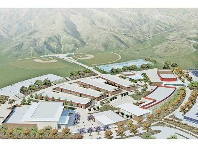 Hart moves ahead on buying Castaic high school site