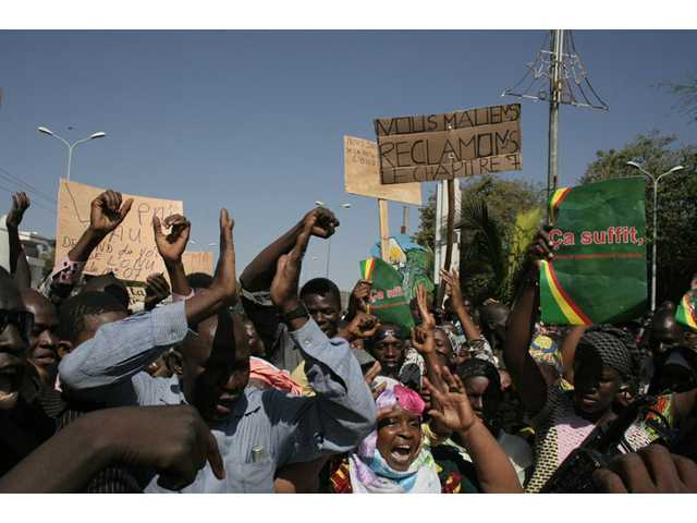 Malians protest in favor of an international military intervention to regain control of the country's Islamist-controlled north.