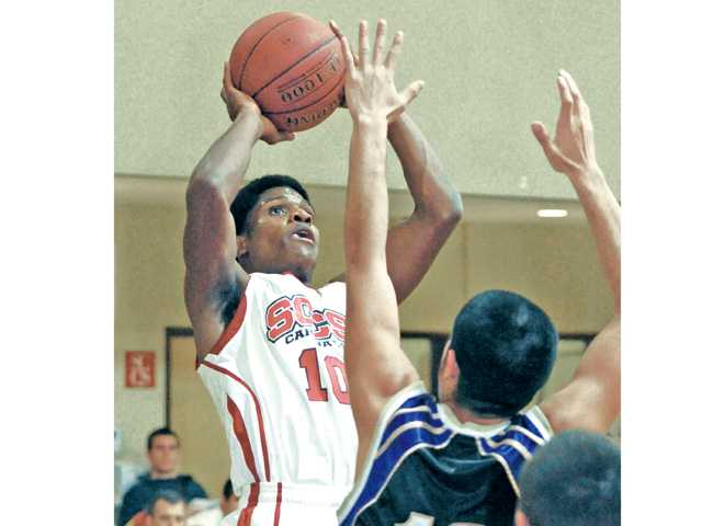 Prep boys hoops: Cards cash in