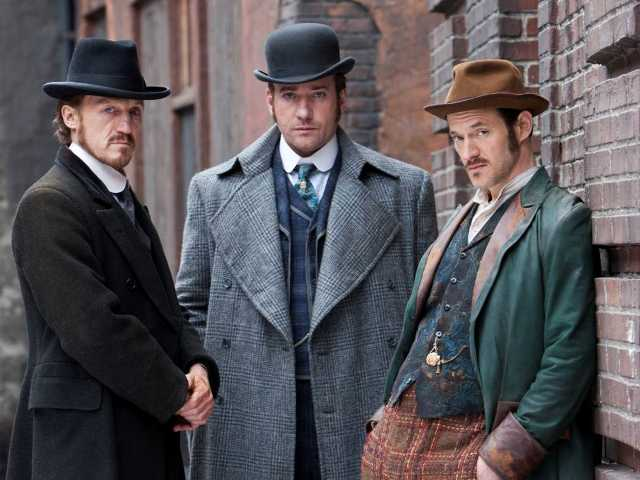 'Ripper Street' stars Macfadyen, 1880s London