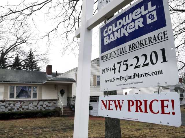 U.S. sales of previously occupied homes dipped last month in part because of a limited supply of available homes. But for all of 2012, sales rose to their highest level in five years.
