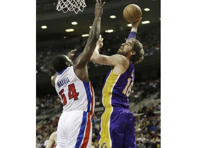 Lakers hold on to beat Pistons 98-97