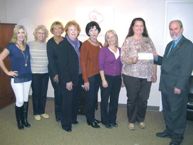 Soroptimist International of Santa Clarita Valley presents $2,500 to Circle of Hope, Inc.